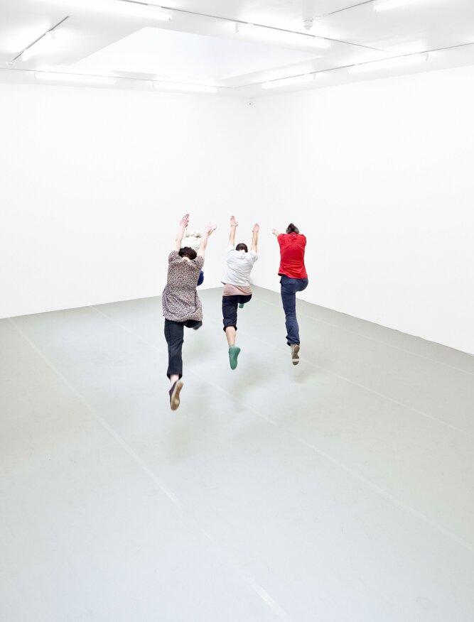 Yvonne Rainer, Dance Works, Raven Row, Performance Photography: Eva Herzog